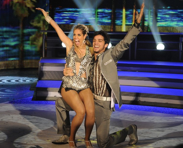 Raquel Guarini e Rodrigo Simas (Foto: Domingão do Faustão / TV Globo)
