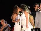 Daniela Mercury e Malu Verçosa se casam em trio elétrico da Bahia