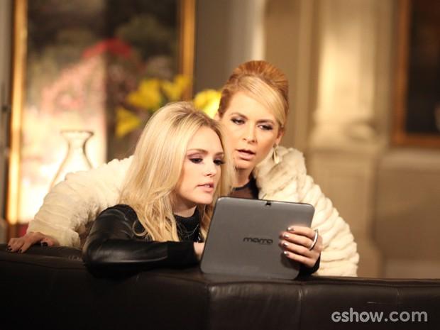 Pamela diz para Megan que ela deve apoiar Davi e Manu (Foto: Camila Camacho / TV Globo)