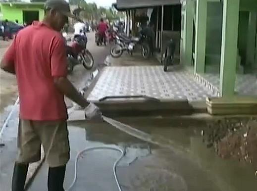 O trânsito voltou a normalidade em algumas ruas da cidade (Foto: Amazônia TV)