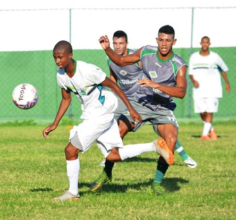 Gama e danilo, jogo-treino cabofriense x serra macaense (Foto: Andreia Maciel / Cabofriense)