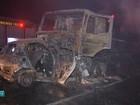 Carro bate em carreta e motorista morre carbonizado em rodovia de MS