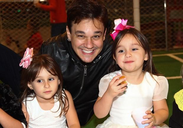 Leandro com Maya e Kiara (Foto: Marcos Ribas/Brazil News)