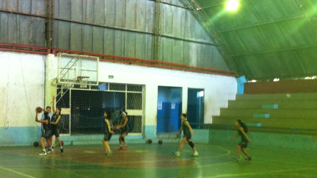 basquete montes calros (Foto: Pablo Caires)
