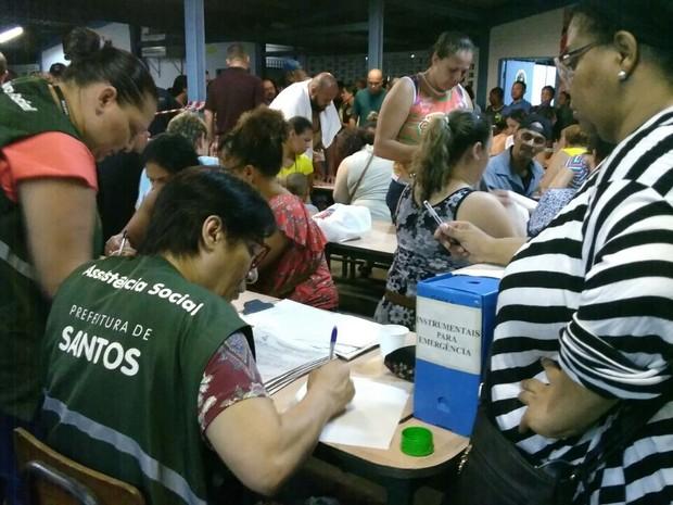 Famílias são cadastradas pela secretaria de Assistência Social (Foto: Divulgação/Prefeitura de Santos)