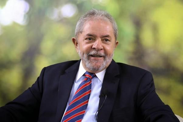 Dilma já ultrapassa FHC em pedidos de impeachment, mas segue atrás de Lula