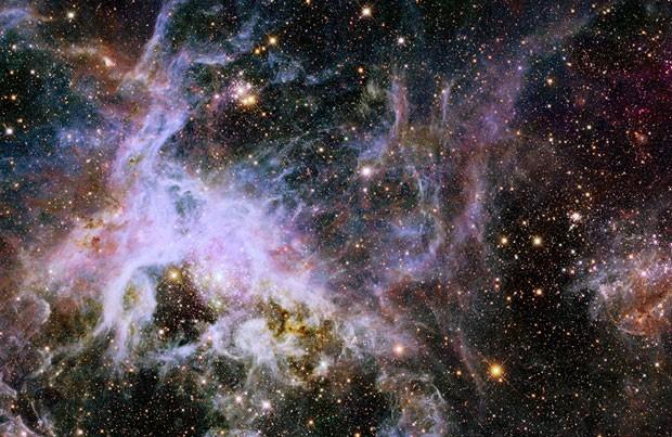 Imagem feita pelo Telescópio Espacial Hubble mostra a nebulosa Tarantula (Foto: AFP Photo/HO/Nasa/ESA)