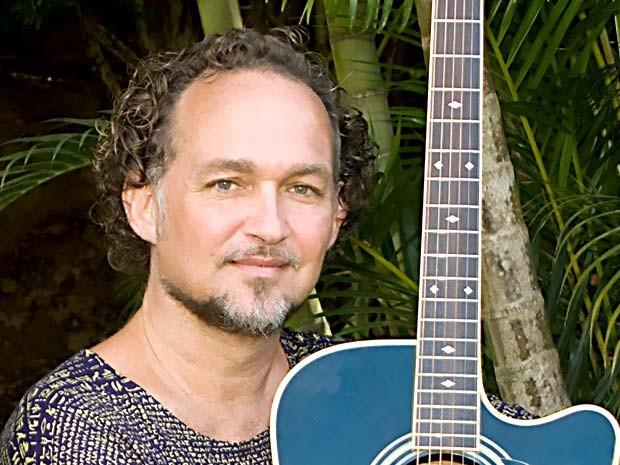 O cantor e compositor Cláudio Nucci, atração deste sábado (19) no Clube do Choro de Brasília (Foto: Divulgação)