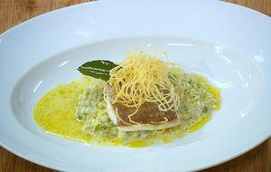 Peixe assado com risoto de brócolis