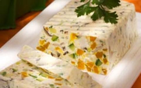 Terrine de queijo com legumes