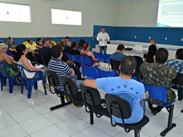 Médicos participam de capacitação no interior (Foto: Adelcimar Carvalho/G1)