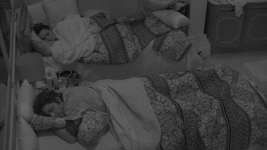 Todos dormem na casa depois da formação do quarto Paredão