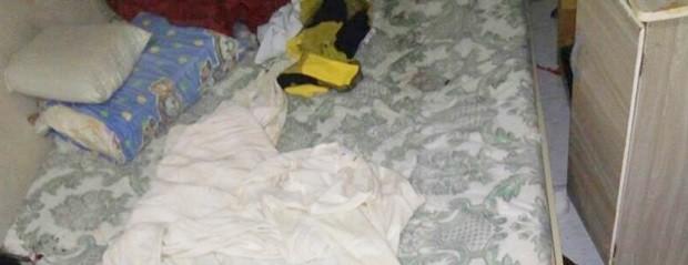 No bairro Planalto, na Zona Oeste de Natal, duas das três vítimas foram mortas dentro de um quarto  (Foto: PM/Divulgação)