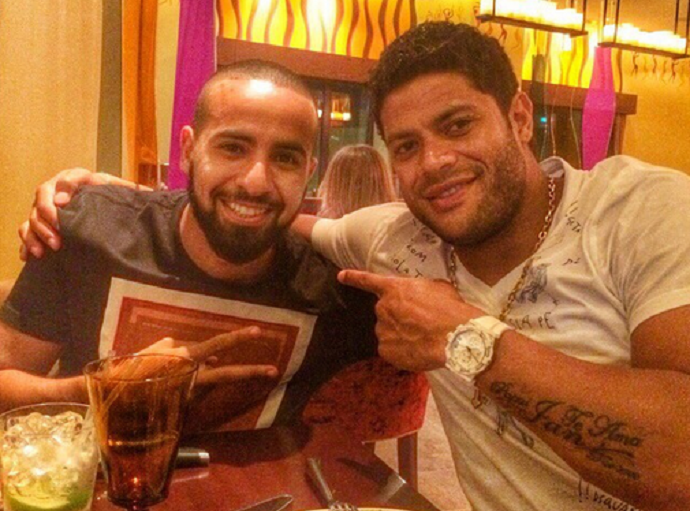Hulk em restaurante em Dubai (Foto: Reprodução / Instagram)