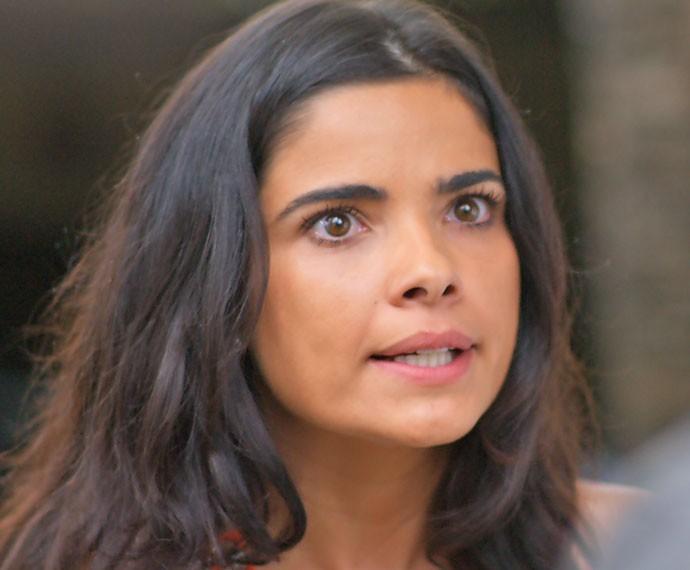 Tóia não se intimida ao descobrir que Zé Maria é bandido (Foto: TV Globo)