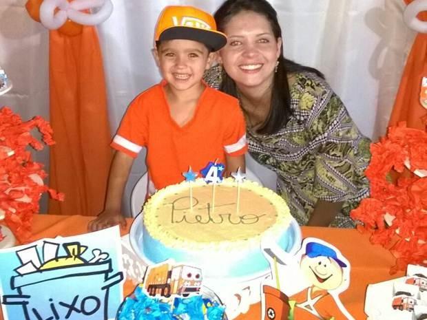 Pietro e a mãe, Ana Paula, na festa em Rio Preto  (Foto: Arquivo Pessoal)