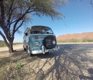 A Kombi que será usada na viagem (Foto: Reprodução/ Facebook)
