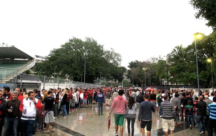 fila da torcida no Maracanã (Foto: Fred Huber)