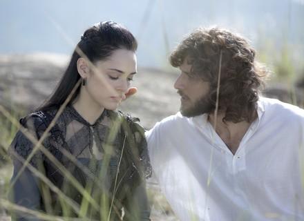Joaquim conta para Anna tudo sobre Thomas e tenta reaproximação