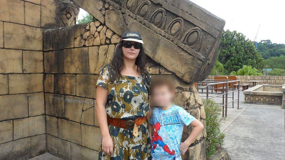 Roberta Santalucia e seu filho, Lucas (Foto: Reprodução/ Facebook)