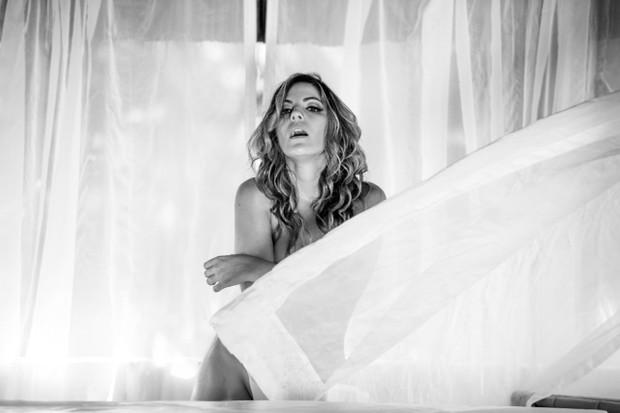 Anamara, ex-BBB em  ensaio sensual)