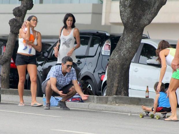 Eduardo Moscovis e familia (Foto: JC Pereira/ Ag. News)