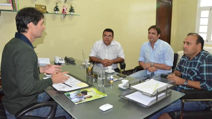 Reunião prefeitura Treze e Campinense (Foto: Divulgação / PMCG)