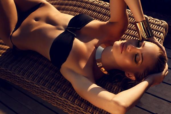 Veja como manter o bronzeado após o fim do verão (Foto: Thinkstock)