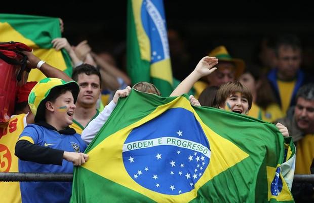 Torcida brasileira no amistoso entre Brasil e Sérvia 4372ceb2e0b77