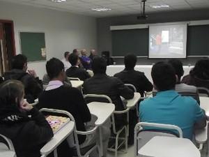 Apenas alunos que concluíram o Ensino Médio na rede pública de educação (Foto: Divulgação/ Opet)
