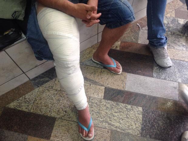 Irmão de Helen e Beatriz foi baleado na perna (Foto: Glauco Araújo/G1)
