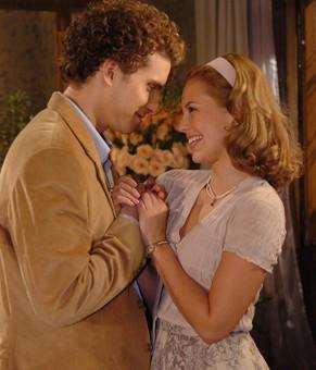 Sônia (Paola Oliveira) e Marcos (Thiago Fragoso) vivem história de amor (Foto: TV Globo / Willian Andrade)