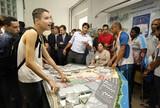 Rio lança maquete tátil do Parque Olímpico e emociona atletas e alunos