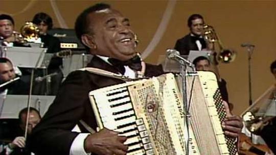 'Asa Branca' chega a 70 anos atual e imortalizada na voz de Luiz Gonzaga