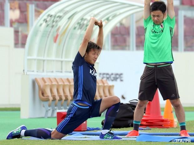 Yosuke Ideguchi fez treino à parte no Batistão (Foto: Divulgação/JFA)
