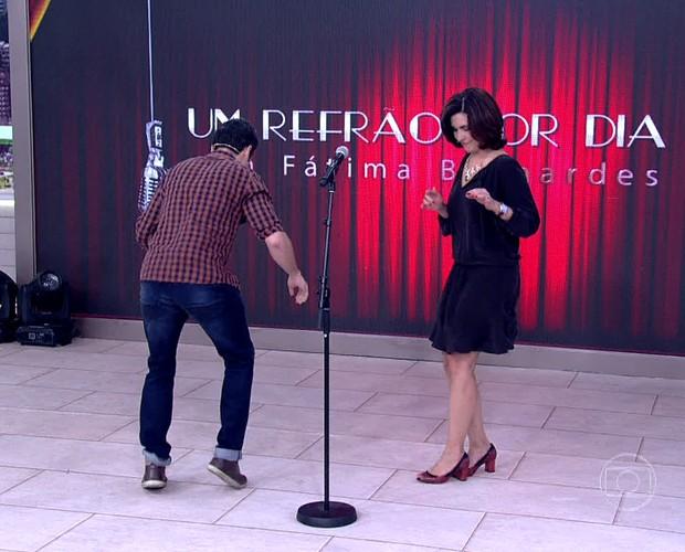 Fátima dança ao som de É o Tchan (Foto: TV Globo)