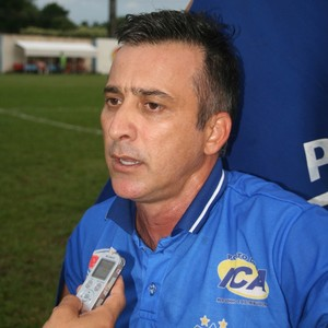 Fábio Luiz técnico Penarol-AM (Foto: Marcos Mendonça/Penarol)