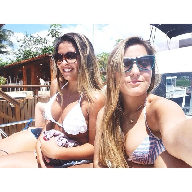 Dani Favatto, filha de Romário, e amiga (Foto: Instagram / Reprodução)