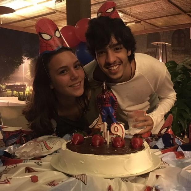 Matheus Costa e a namorada, Sarah (Foto: Reprodução/Instagram)