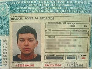 Vítima foi identificada como Mychael Rocha, de 29 anos (Foto: Reprodução)