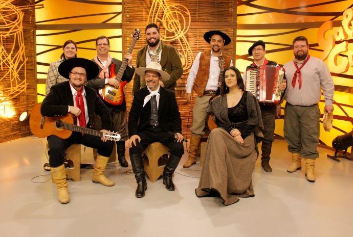 Grupo Recuerdos de Milonga se apresenta pela primeira vez no programa (Foto: Arthur Cerri/Divulgação)