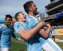 Villa aproveita assistência de Pirlo e faz de voleio em vitória do New York City; assista