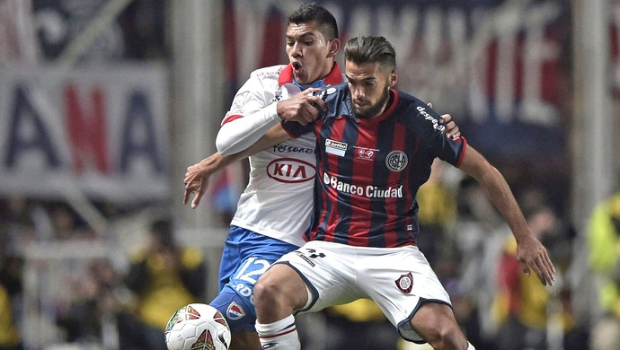 Emmanuel Mas jogo San Lorenzo x Nacional-PAR final (Foto: AFP)