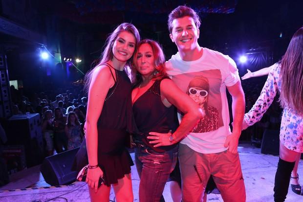Camila Queiroz, Susana Vieira e Klebber Toledo (Foto: Reginaldo Teixeira/CS Eventos Divulgação)