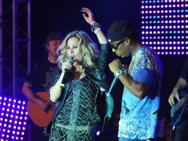 Ja Rule e Wanessa Camargo também se apresentaram no Festival de Música (Foto: Zé Paulo Cardeal / TV Globo)