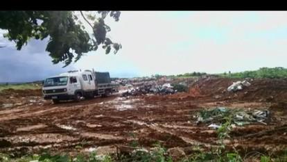 Morador de João Pinheiro envia fotos mostrando situação de lixão