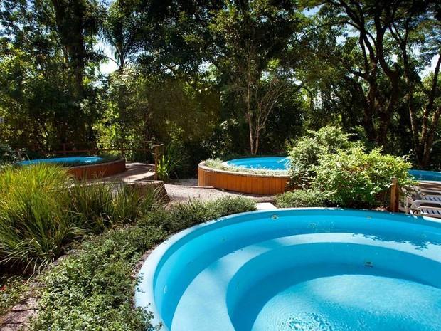 Estrutura oferece piscinas ao ar livre (Foto: Plaza Caldas da Imperatriz/Divulgação))