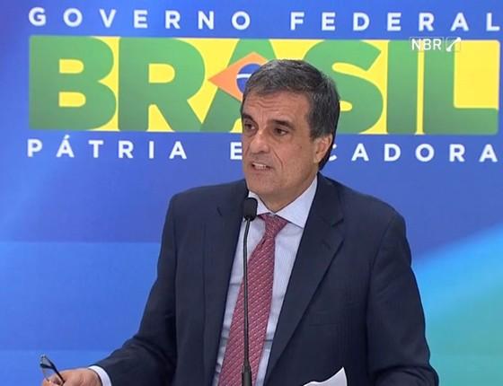 José Eduardo Cardozo, ministro-chefe da Advocacia-Geral da União, comenta aprovação da abertura do processo de impeachment na Câmara (Foto: Reprodução)