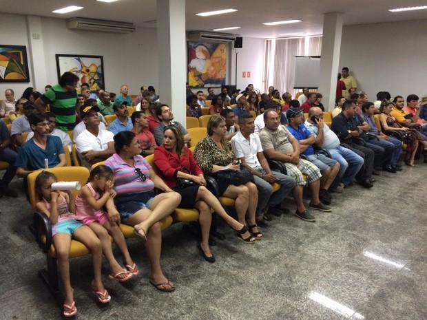 População lotou Câmara dos vereados de Palmas durante votação do IPTU (Foto: Cassiano Rolim/TV Anhnaguera)