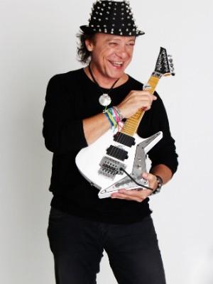 Armandinho revela que show no Festival de Montreux rendeu polêmica na época (Foto: Lara Lins/Divulgação)